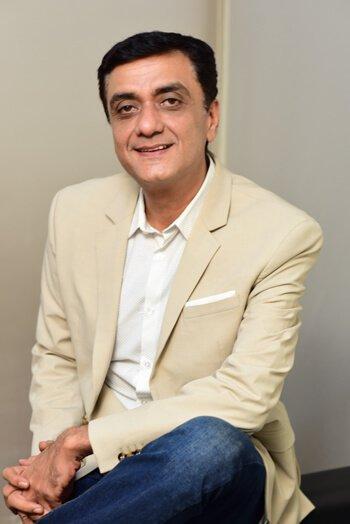 Hitesh-Asrani,-Founder-&-Di